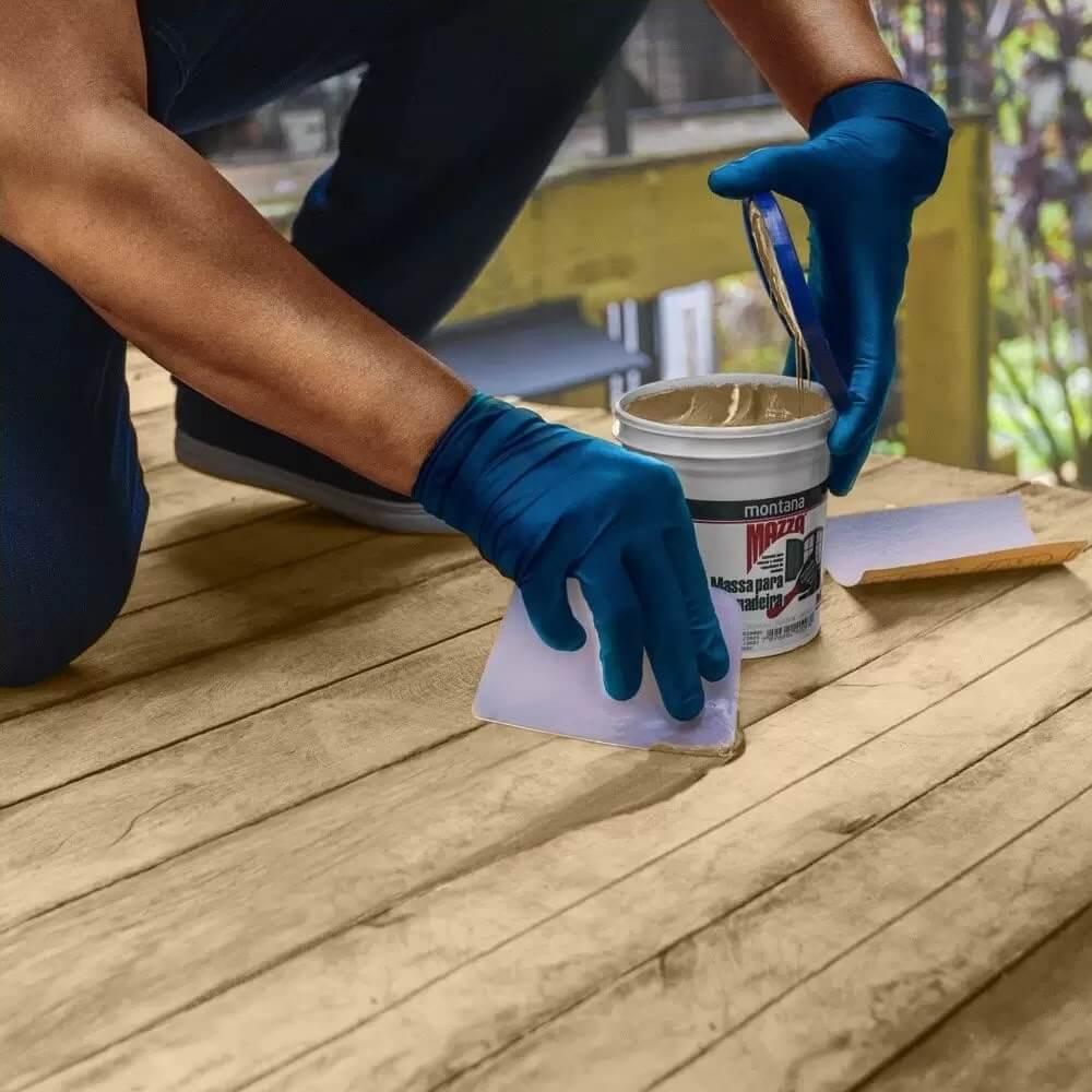 Conheça os benefícios da massa para madeira