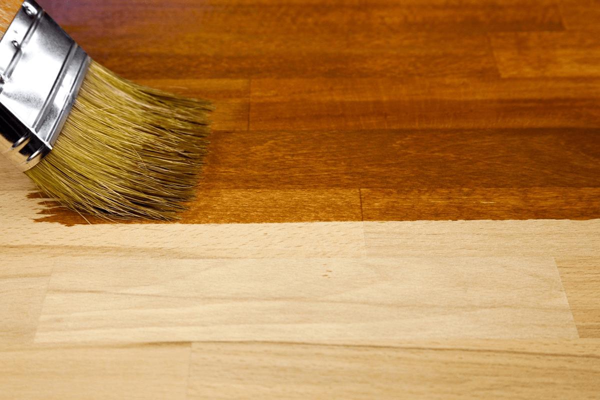 Stain ou Verniz: Entenda as diferenças entre os acabamentos para madeira