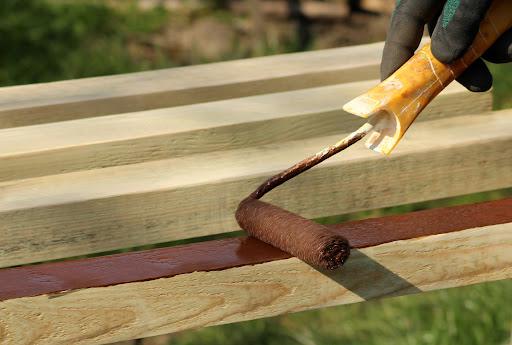 5 erros comuns na pintura de madeira e como evitá-los